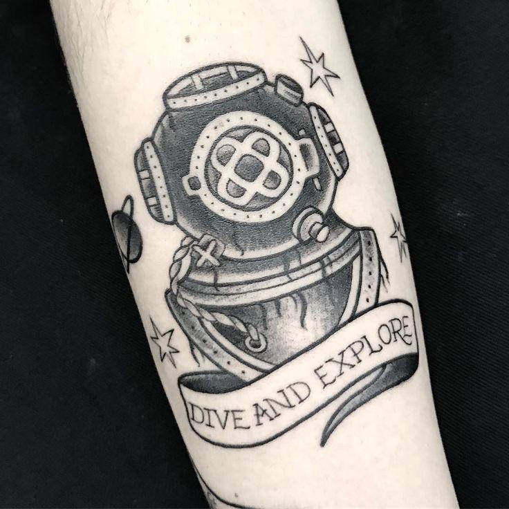 Resultado de imagem para escafandro tattoo