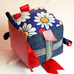 Taggie Cube Soft Toy - Tutorial - made a version of this for a friend. Came together pretty easy, hoping she likes it!