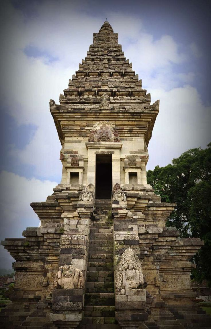 Candi Jawi, hindu temple at Java