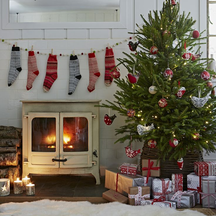 decorating living room for christmas. Traditional Christmas decorating ideas for a classic look you ll love 54 best Living Rooms images on Pinterest