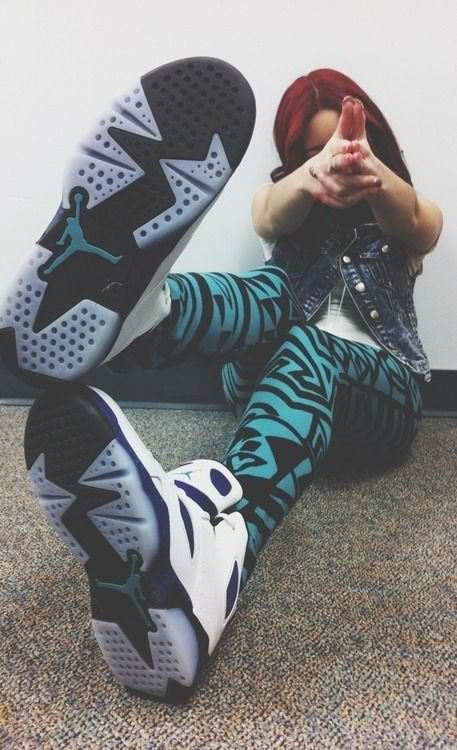 Cute outfit leggings Jordanu0026#39;s shoes | s t y l e . | Pinterest | Jordans The ou0026#39;jays and Shoes ...