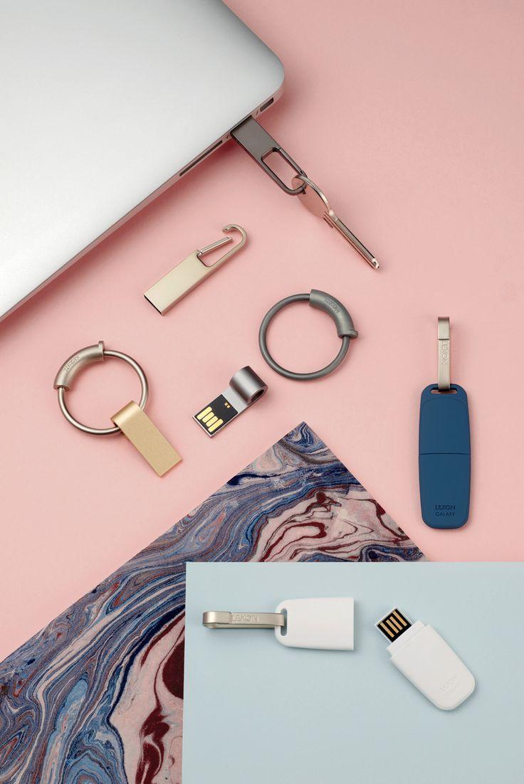 Lexon - HOOK usb key, design Gabriel de Roquefeuil - FINE usb key, design Pauline Deltour - GALAXY usb key, design Marc Berthier