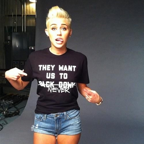 I don't like buzzed hair on women but u actually think she pulls it off.