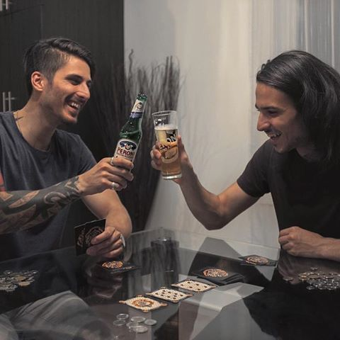 Potter Poker? Pourquoi pas haha 😌Avec @gabibazi et @peroni_ca #peroniqc #maisonperoni