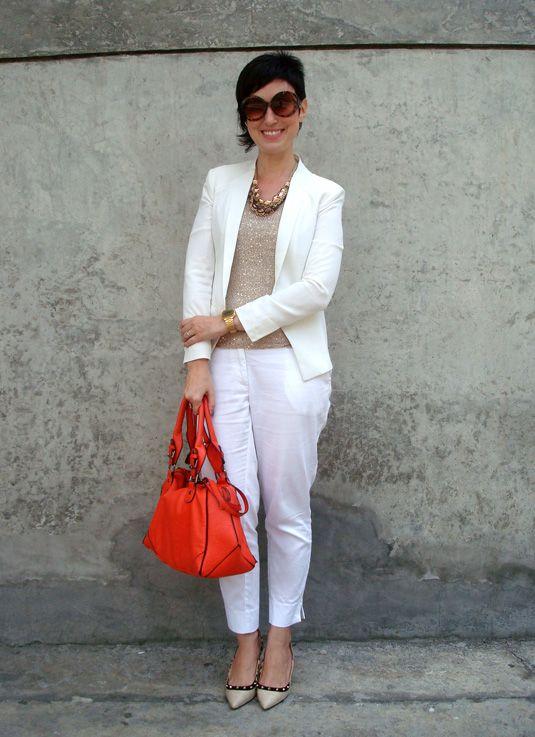 Com a sapatilha que eu fui: Agora de SL pra C&A! Ana veste: Blusa Chifon que ganhei da marca Blzar MNG Outlet (Barcelona) - 19,90 euros Calça H&M -