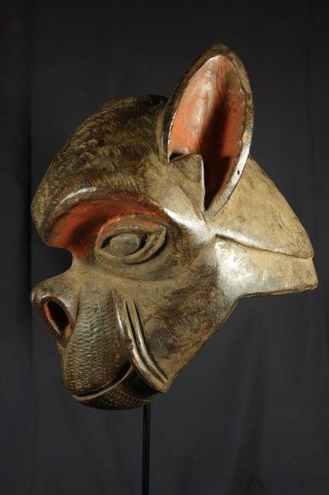 Maison de ventes aux enchères en ligne Catawiki: Masque casque de singe africain NGI - BULU - Cameroun