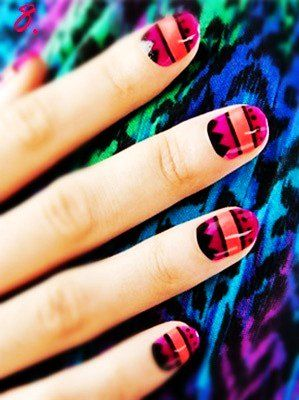 10 Style Eyecatching New Year Nail Art Pretty Girls Must Want In 2015 - Fashion Blog