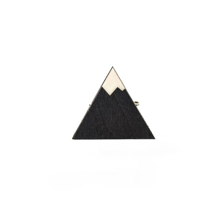 Деревянный значок Гора #wafwaf #wafwafgoods