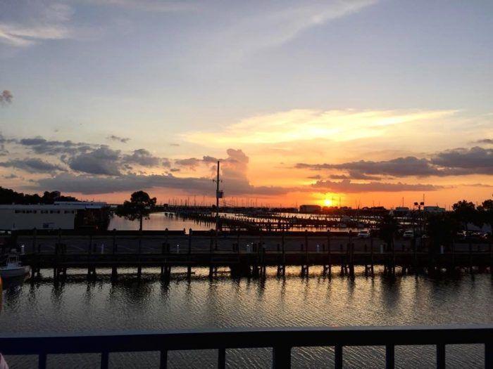 8 Incredible Waterfront Restaurants Everyone in New Orleans Must Visit