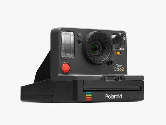 ポラロイド「OneStep 2」は、デジタル世代のためのヴィンテージカメラだ