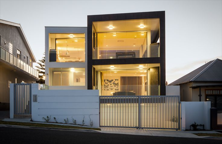 Merewether Beach House by Webber Architects (Newcastle, AUS) #residentialarchitecture #lighting