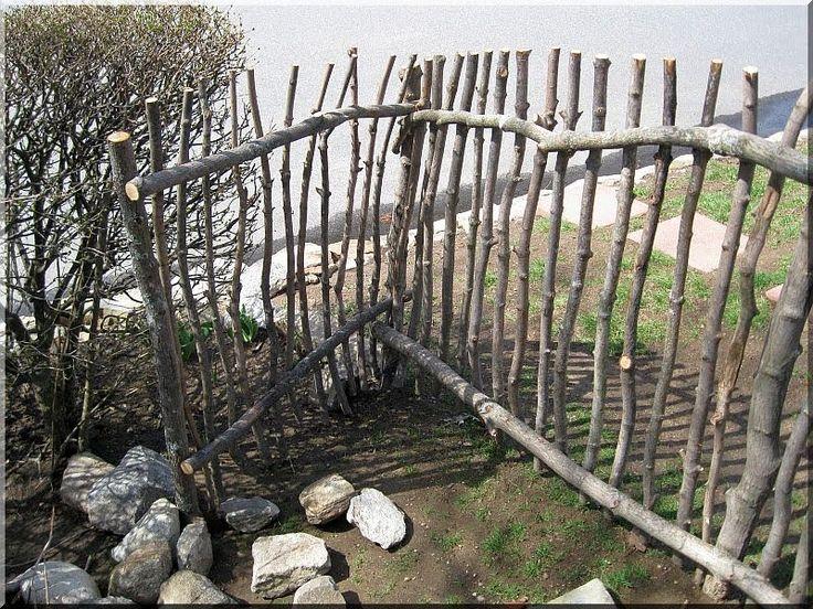 görbe kerítés