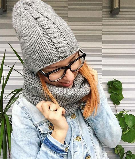У меня в наличии есть вот такое серое чудо✨. Удлинённая шапочка и объёмный двойной снуд❤️❤️❤️, это просто . Р-р 55-58 см, полушерсть, очень тёплый продан❌❌❌ #zottyknittingworkshop #handmade #handknitted #grey #autumn #hat #шапка #шапочка #шапкивналичии #шапкаснуд #вязаннаяшапка #снуд #шарф #тепло #втренде #инстамама #ямама #вязанныевещи #йошка #йошкарола #чебоксары #утепляйся #серый #шапкашарф