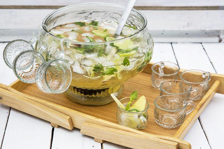 Mojito citronnelle et gingembre—Un cocktail frais et rafraîchissant, idéal pour varier de la sangria ou du punch de bienvenue lors des barbecues estivaux.