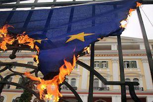 Op 1 juni 2010 lazen we in de media dat in het licht van het gestaag ineenstorten van de eurozone de website openeurope.org.uk een lijst publiceerde met daarin de meest schrijnende halve waarheden, propaganda en regelrechte leugens die de Europese Unie de afgelopen 10 jaar de inwoners van haar lidstaten heeft voorgehouden. 'Te midden van alle onzekerheid werd één ding pijnlijk duidelijk: de EU elite heeft het gewoon fout gehad wat betreft de euro.' Ook het Amerikaanse IMF had een dikke…
