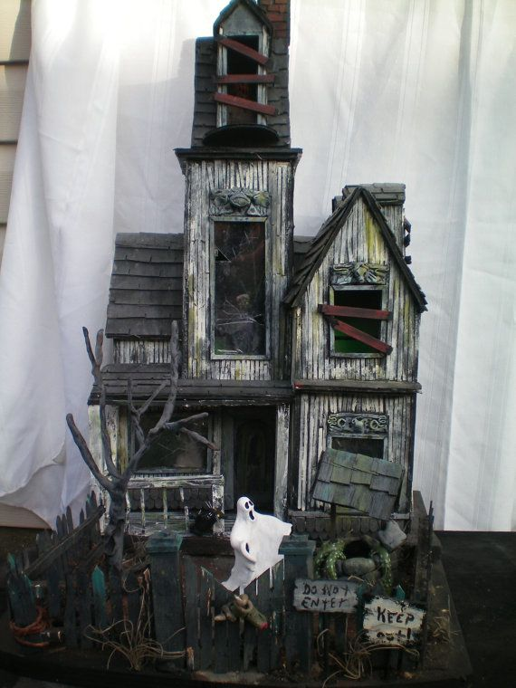 Haunted house houses castles and other buildings for Pinterest haunted house