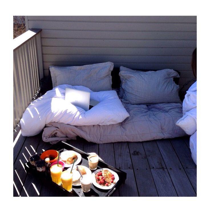 Dream mornings. #breakfast #love #inspiration # breakfastinbed #cushions #dream