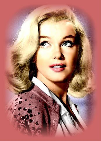 Marilyn Monroe a rare picture of her, so beautiful!