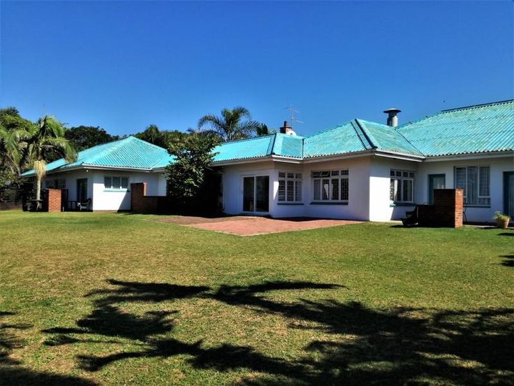 Guest Lodge For Sale in Oslo Beach with Amazing Sea Views - This property and business is one that flourishes as it is located on the South Coast, KZN, a beautiful holiday town. Offering great accommodation to holiday goers, golfers, sales reps, businessmen and women etc; providing business throughout the year.  Purchasing this lodge you are gaining: - 11 Self Catering Units      5 x 1 Bedroom Units - One of which is a Honeymoon Suite      4 x 2 Bedroom Units - Two of which is Timber Homes…