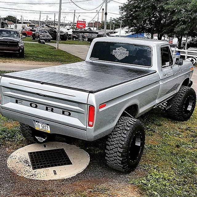 SEXY ASS FORD!  Double tap! Follow @offroad.squad
