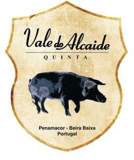 #Enchidos de #porcopreto, #chouriça #tradicional, chouriça #Moura, #morcela, #farinheira, #linguiça e #paio, no #caseiropt por Quinta Vale do Alcaide em Penamacor.