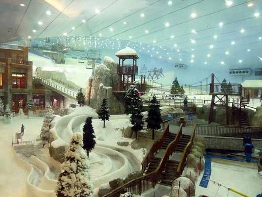 Ski Dubai - Dubai, Mall of Emirates first indoor ski resort in Dubai !!!   Amazing