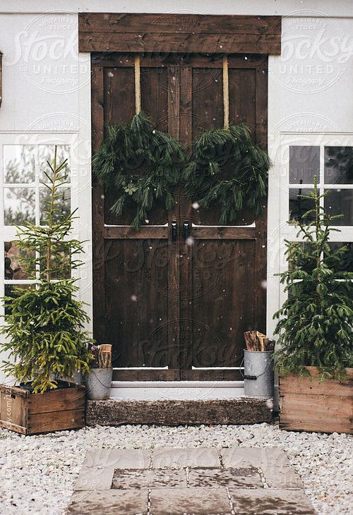 welcoming holiday entry