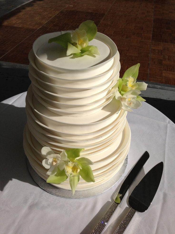 Simply Beautiful Anniversary IdeasEndangered SpeciesWedding ReceptionWedding CakesBakeriesCinderellaSpiritual