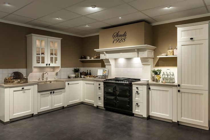 Landelijke keuken. Kookplezier met AGA fornuis. | DB Keukens
