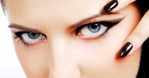 Pour en finir avec les yeux gonflés, optez pour des remèdes naturels et surtout efficaces