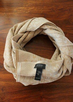 Kupuj mé předměty na #vinted http://www.vinted.cz/doplnky/pletene-saly/14678508-guess-by-marciano-nadherna-dlouha-pletena-sala