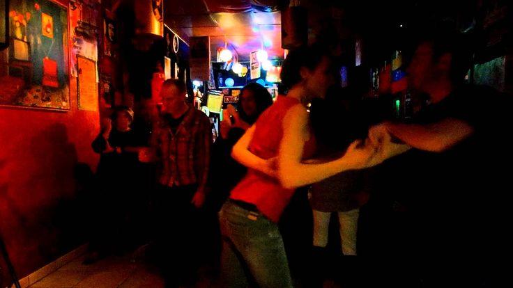 Danse Fui a l'orilla del rio by LGD Duo en Break Friends Casa Latina ( Danse Fui a l'orilla del rio by LGD Duo en Break Friends Casa Latina http://youtu.be/zi97MwEIfIQ #Bordeaux #barmusical #Mojito #tapas #concert #fiesta #Bar #club