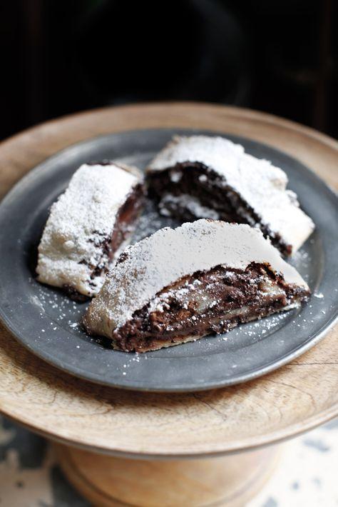 strudel al cioccolato con pere e pan di zenzero