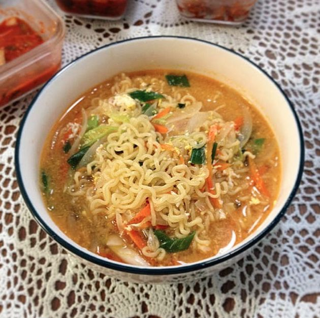 30 Minute Vegetarian Ramen #MeatlessMonday
