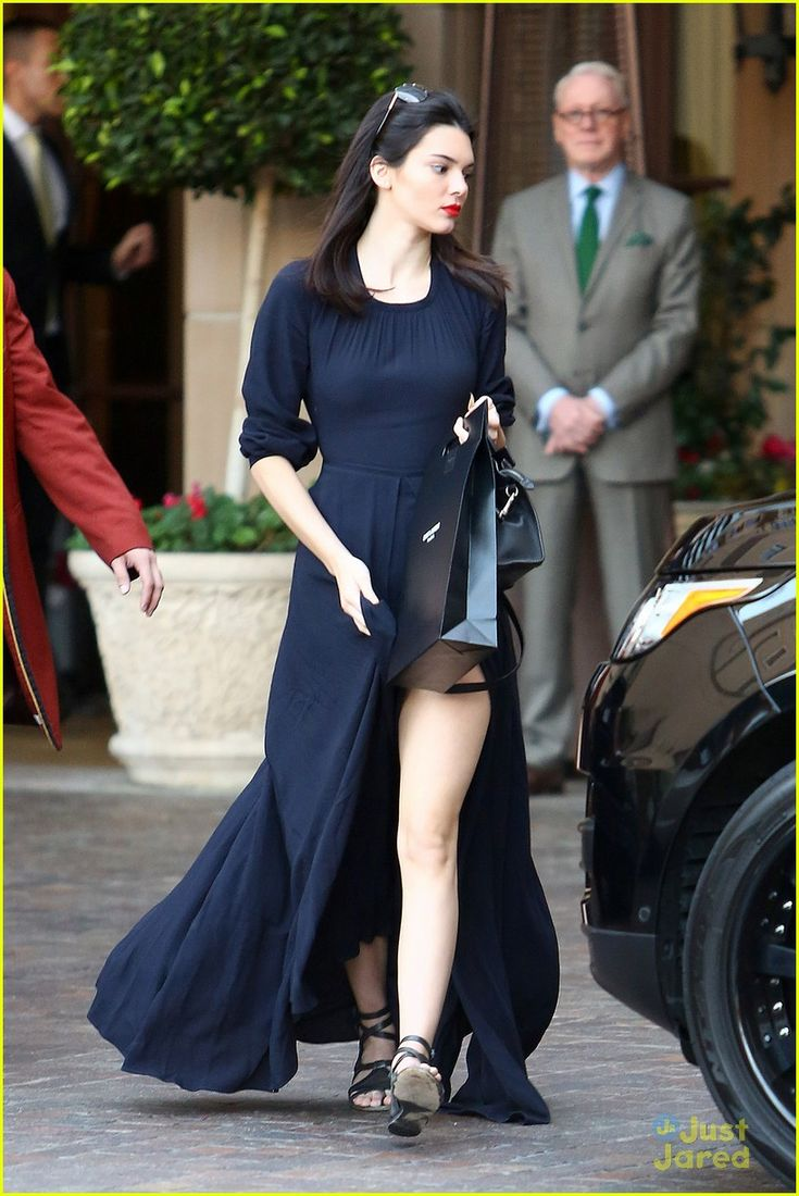 Kendall Jenner has legs for days while doing some retail therapy on Wednesday (January 21) in Beverly Hills, Calif.