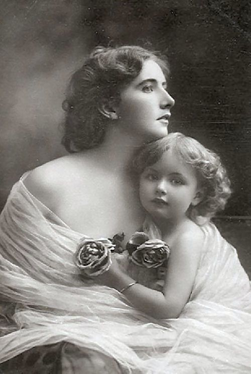 What a beautiful  image of mother and daughter!  http://crookedhouse.typepad.com/.a/6a00e54ecc66978833015391e3d960970b-800wi