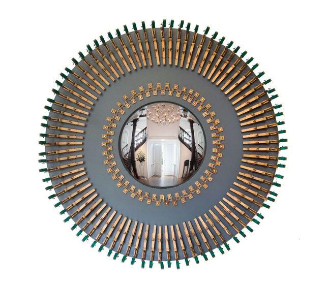 #Espejo #convexo de #AlejandrodelaTorre de 30 cm. Ø, enmarcado en un mecanismo de piano. 77x77x10 cm. #convex #mirror #mirall #diseño #design #disseny #barcelona