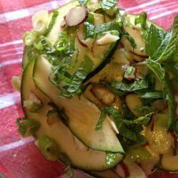 Insalata di zucchine crude #ricette #ricetteestive #zucchine #cucinaleggera #insalate