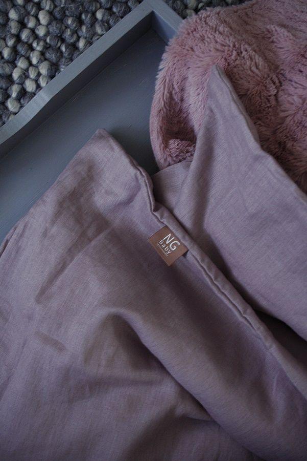 Påslakanset i linne, färg Dusty Pink. Kollektion NG Baby Mood. | Källa Sofie Eklund