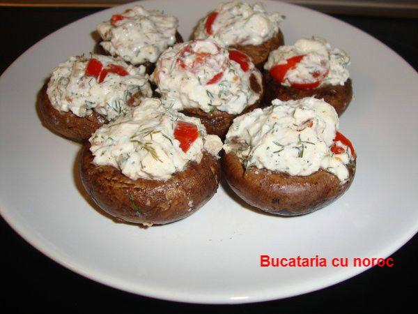 Ciuperci umplute cu branzeturi - Bucataria cu noroc