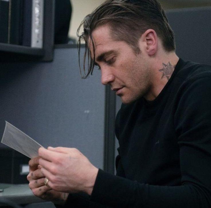 Jake Gyllenhaal as detective Loki in Prisoners