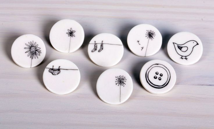 Boop Design - small round brooches