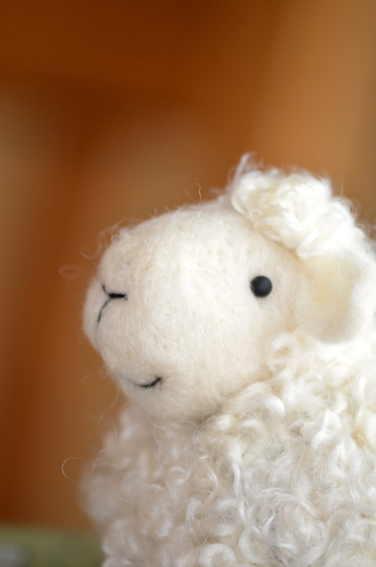 Felting: a sheep made of wool. Dry felting lamb: master class