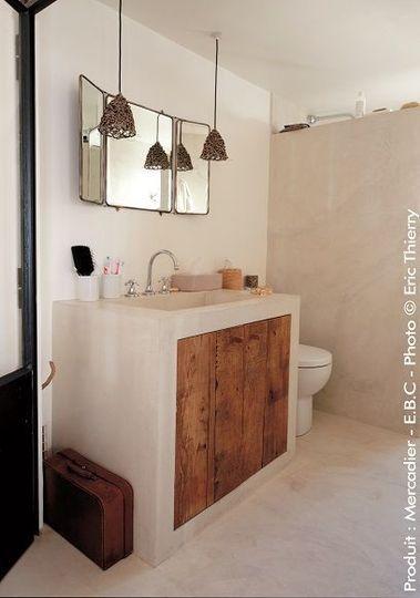 Béton ciré clair pour salle de bains lumineuse - Béton ciré : quelle teinte choisir ? - CôtéMaison.fr