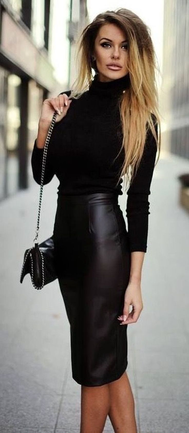 Nice 32 Elegant Black Pencil Skirt Outfit Ideas. More at http://trendwear4you.com/2017/12/19/32-elegant-black-pencil-skirt-outfit-ideas/