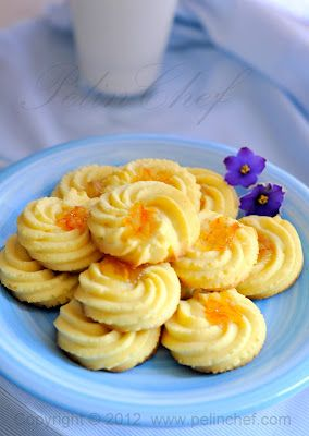 PELİNCHEF: ORANGE COOKIES - this reminds me of something my Baba would have made :)