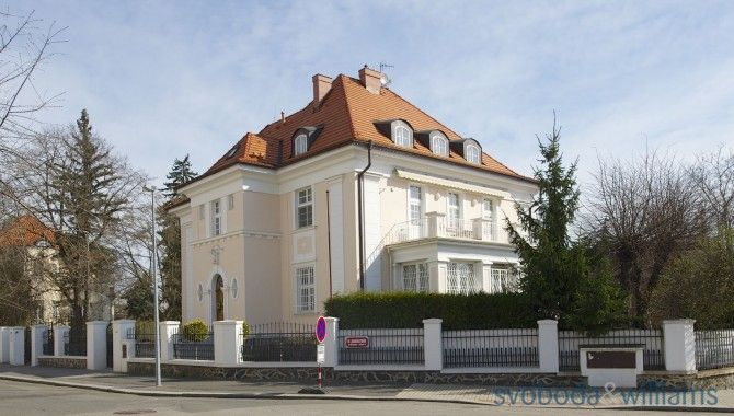 Eleven-bedroom (12 + 1) House, ULaboratoře, Prague 6 - Ořechovka