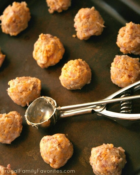 Easy tips for making sausage balls. Can't believe I didn't think of these.