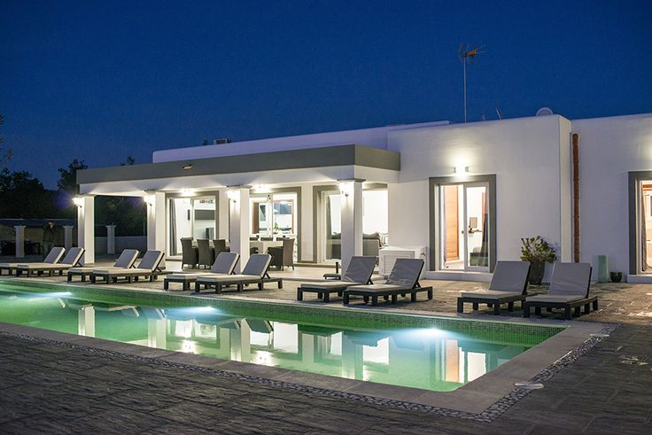 IBIZA HOLIDAY HOME - Villa Emerald..  Have you chosen your 2018 summer holiday destination yet? Ibiza is always a good idea ! And a villa like this one .. What do ya think?  https://www.gvibiza.com/villa-emerald/