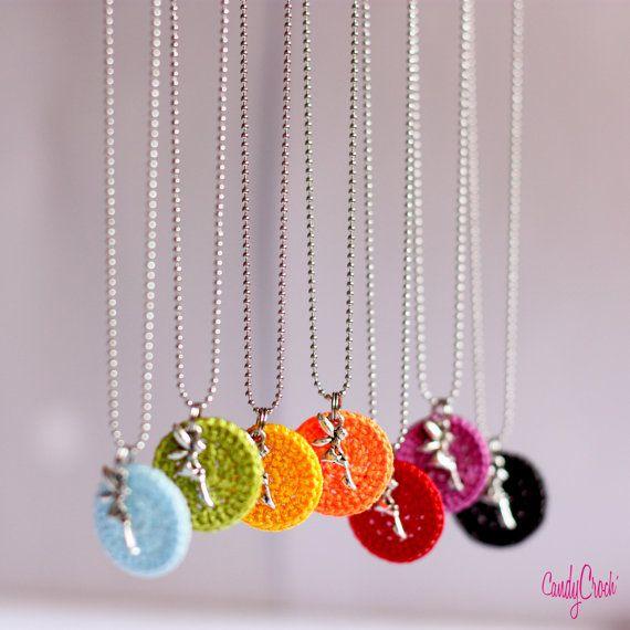Pendentif crochet coloré // Collier pendentif fée // Collier délicat // Collier personnalisé // Pendentif personnalisé // Couleur au choix